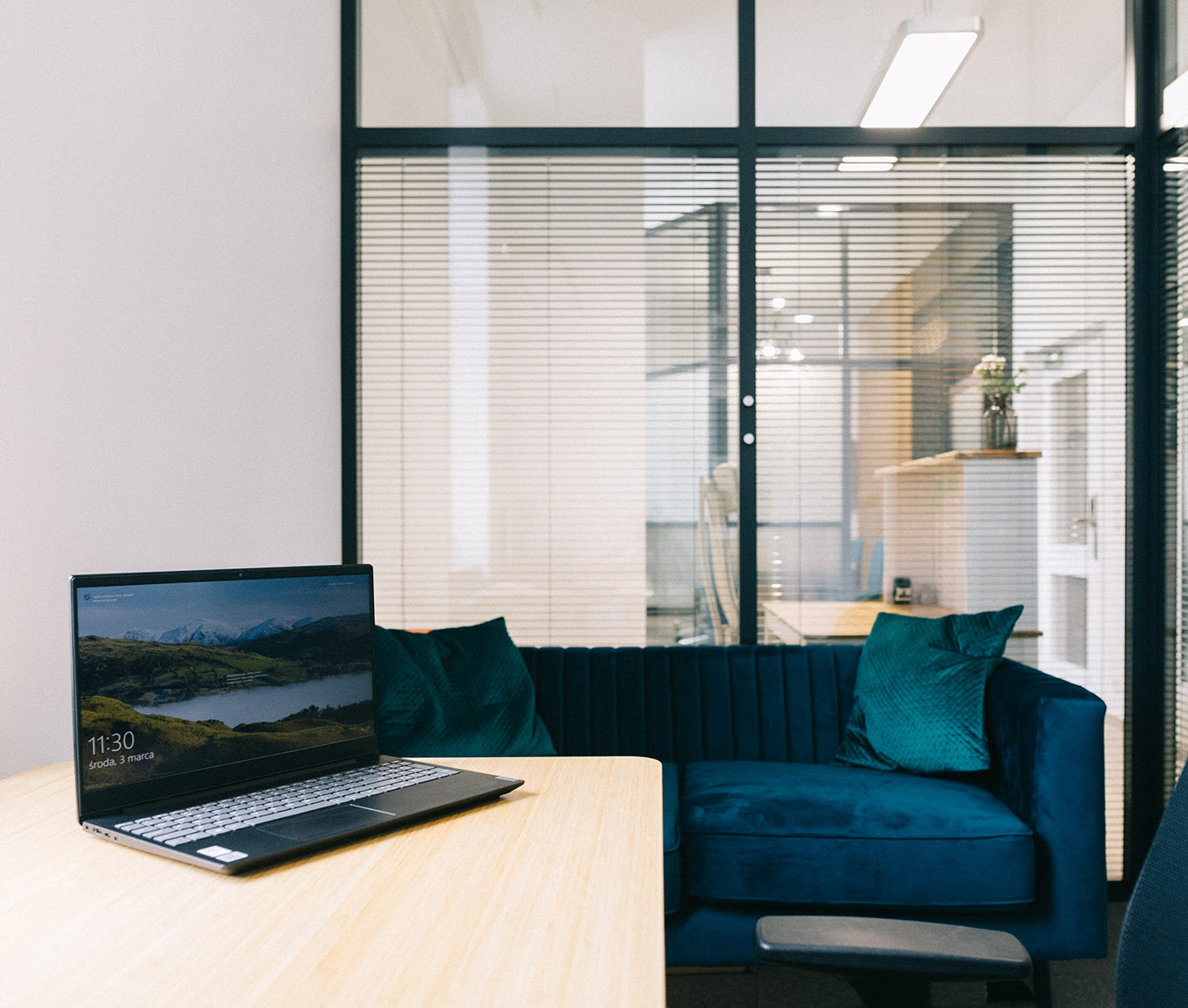 legal-venue-biuro-dla-prawnika-siedziba-kancelarii-adres-sala-konferencyjna